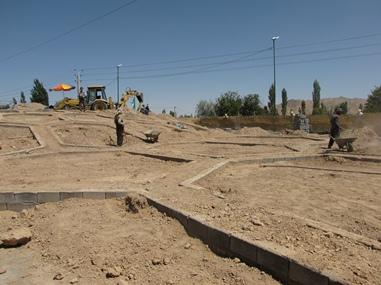 مرحله نخست آماده سازي فضاي سبز ميدان امام حسين(ع) اجرا شد