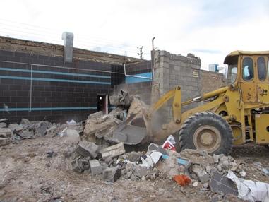 اجراي حكم تخريب ساخت و ساز غيرمجاز در بسطام